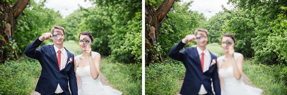 Nevěsta a ženich drží lupu