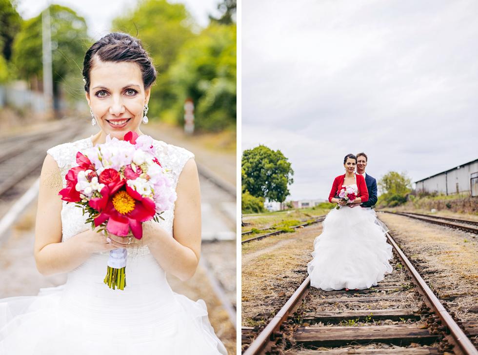 Nevěsta a ženich na kolejích