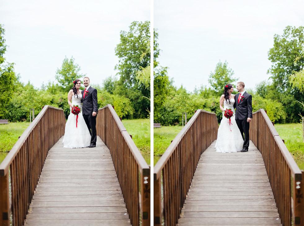 Portrét nevěsty a ženicha na mostě