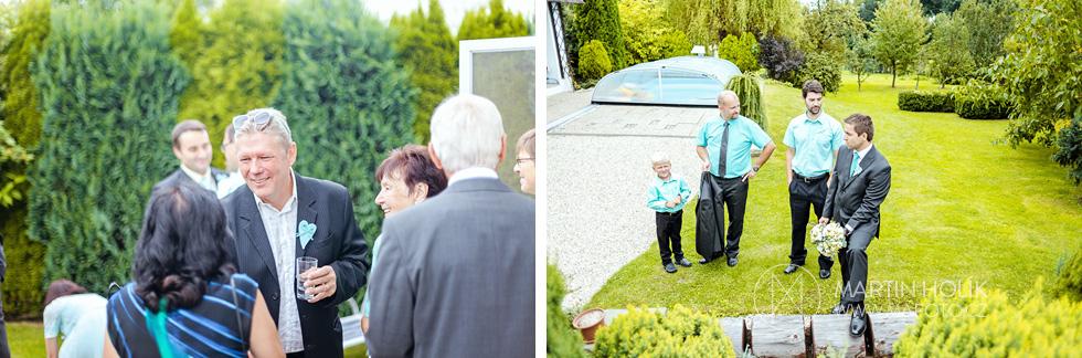 Hosté očekávají nevěstu a ženicha