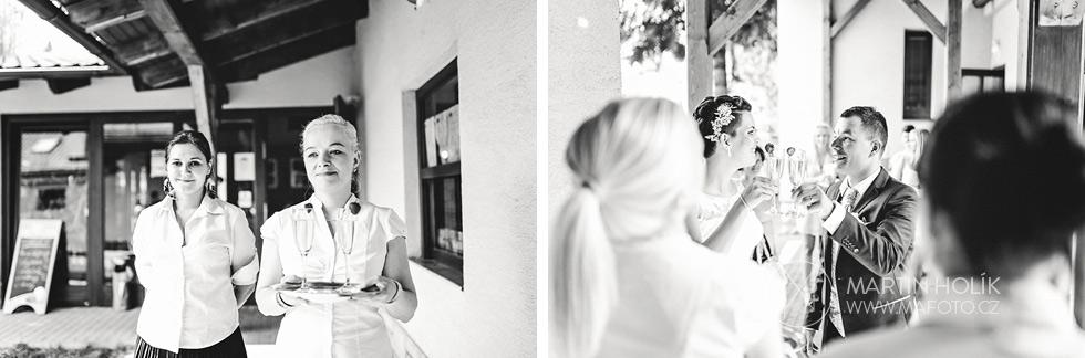 Vítání novomanželů na hostině