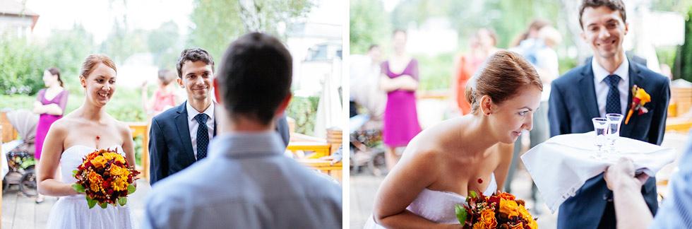 Uvítací polibek pro nevěstu a ženicha