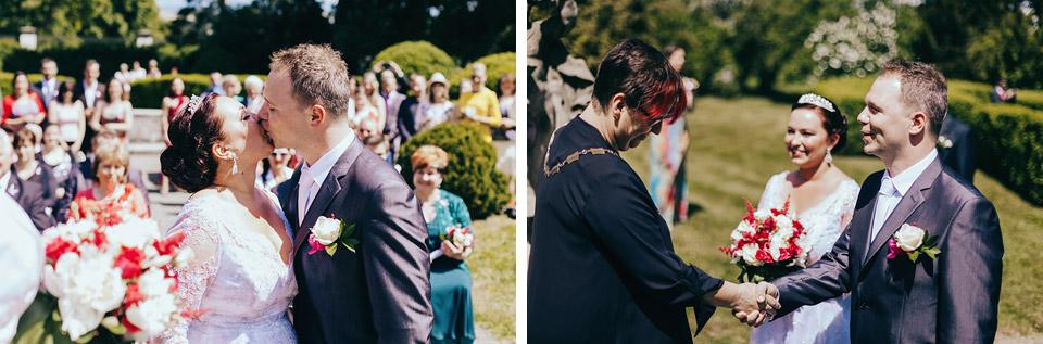 Fotografie prvního novomanželského polibku
