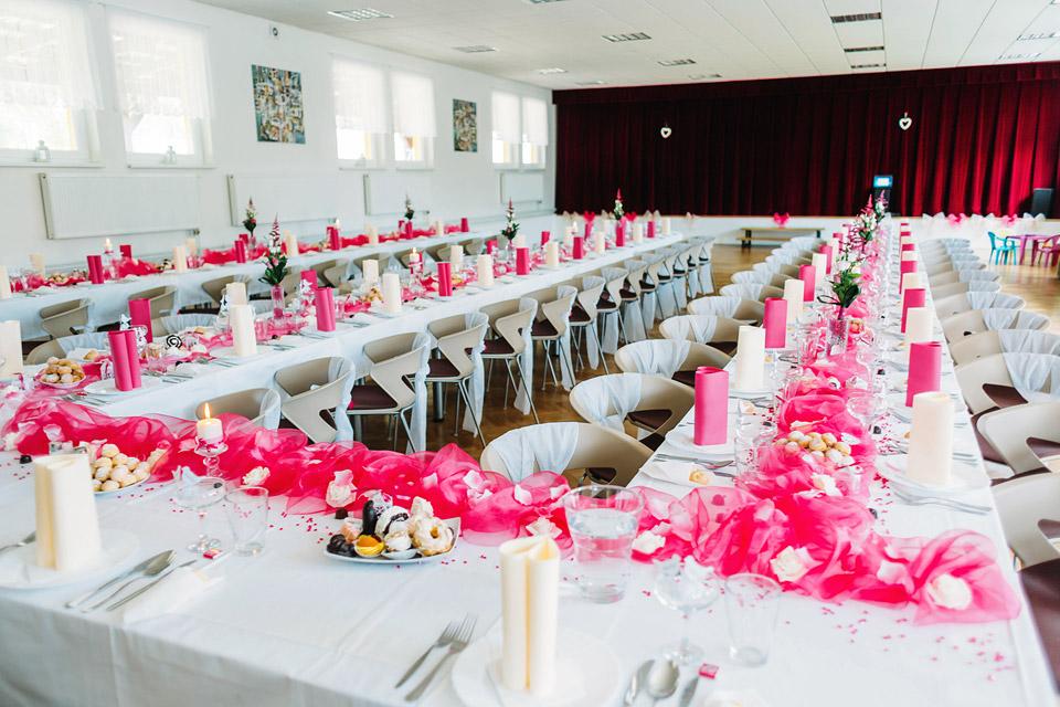 Fotografie slavnostní svatební tabule ve Smržicích
