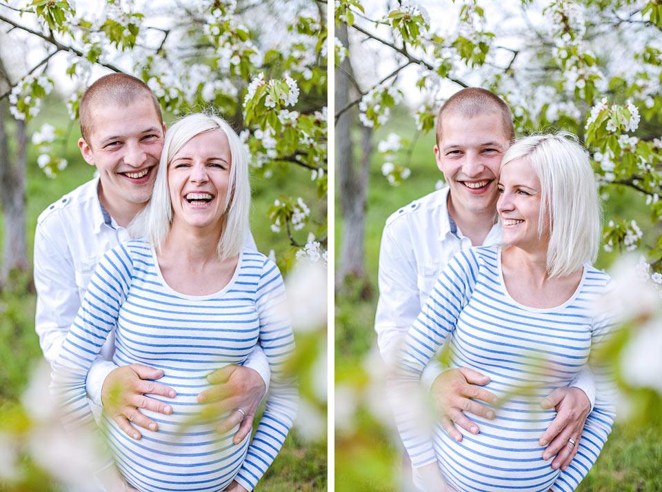 Portrét manželů v sadu
