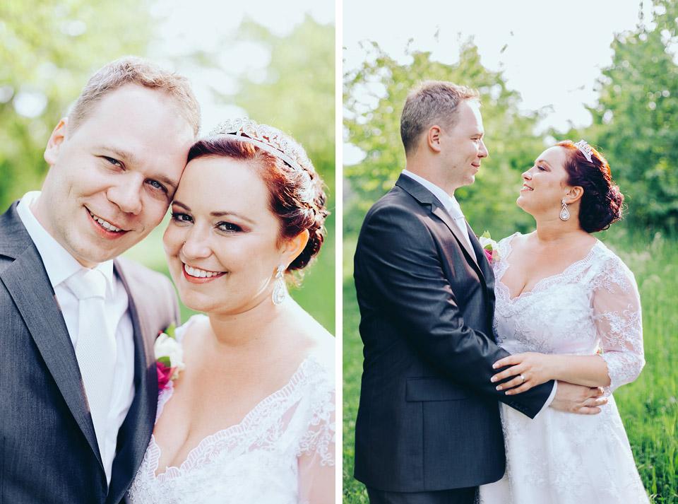 Svatební portrét novomanželů v úžasném sadu