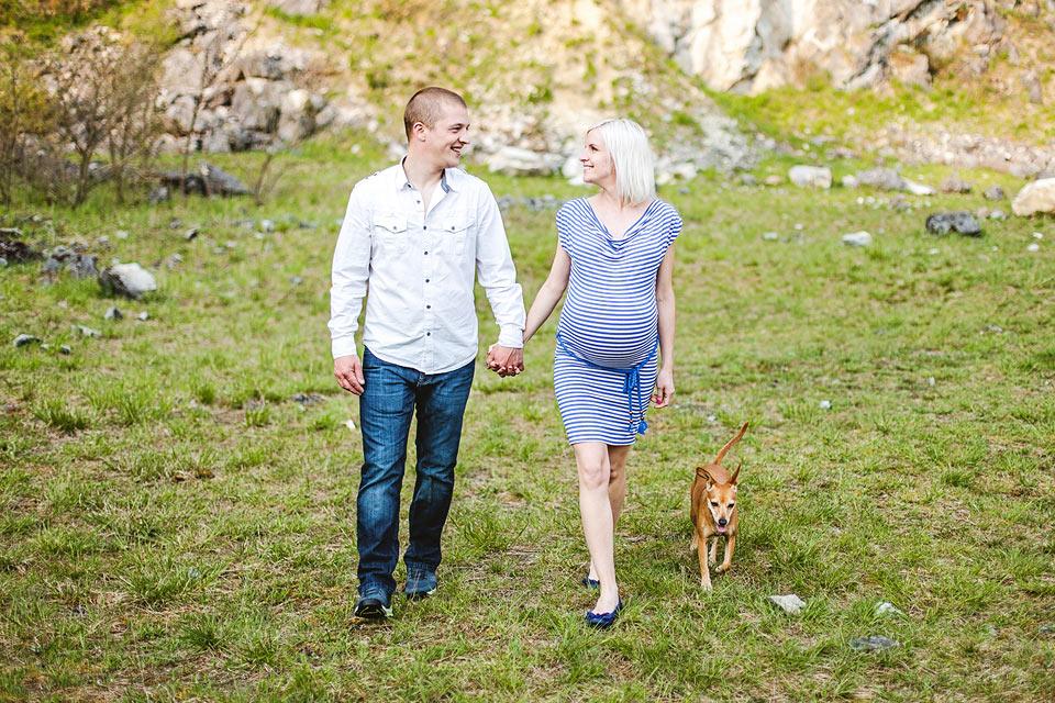 Těhotenské foto v lomu