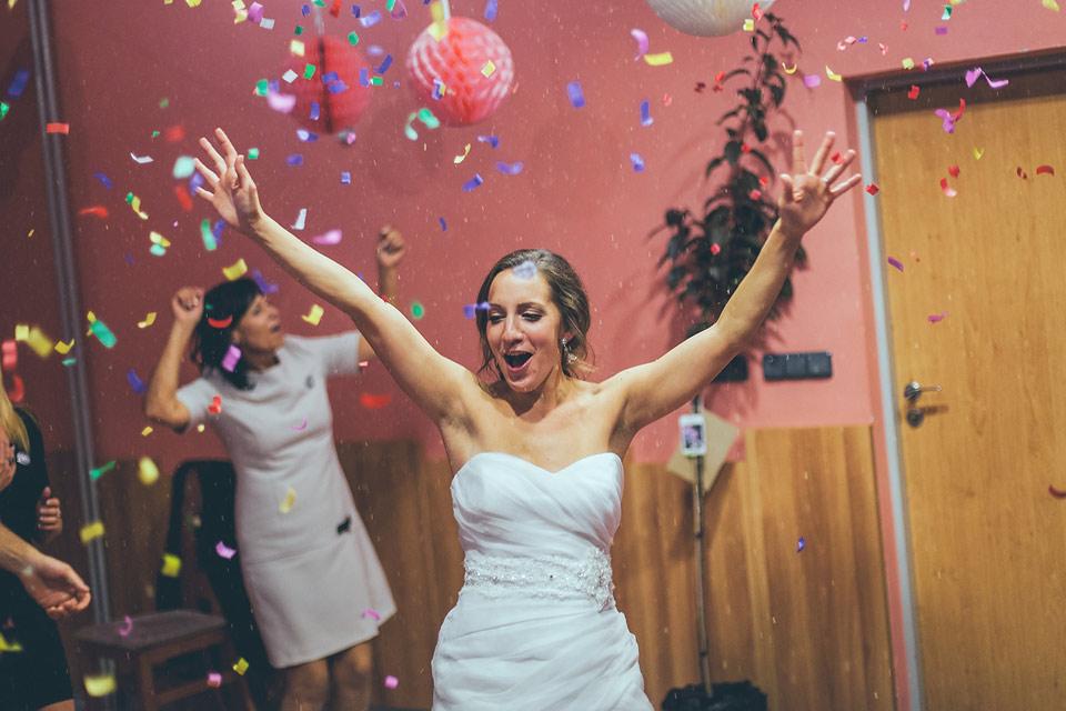 fotografie veselící se nevěsty