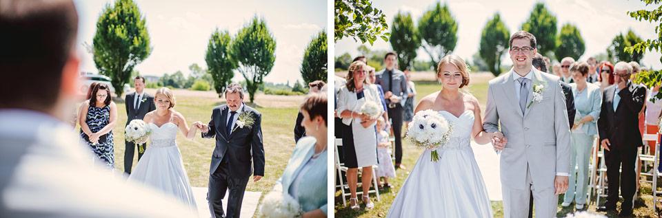 Nevěsta a ženich u svatebního obřadu