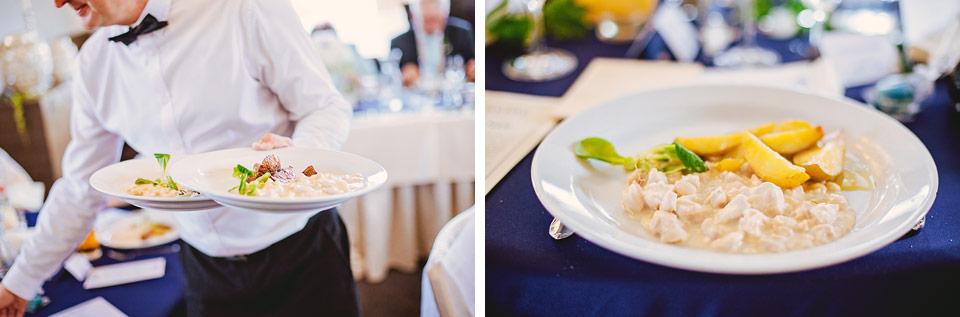 Podávání svatebního oběda