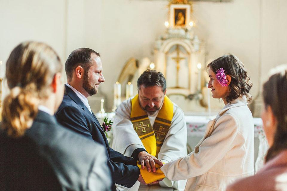 Svatební obřad v kapli v Loučné nad Desnou