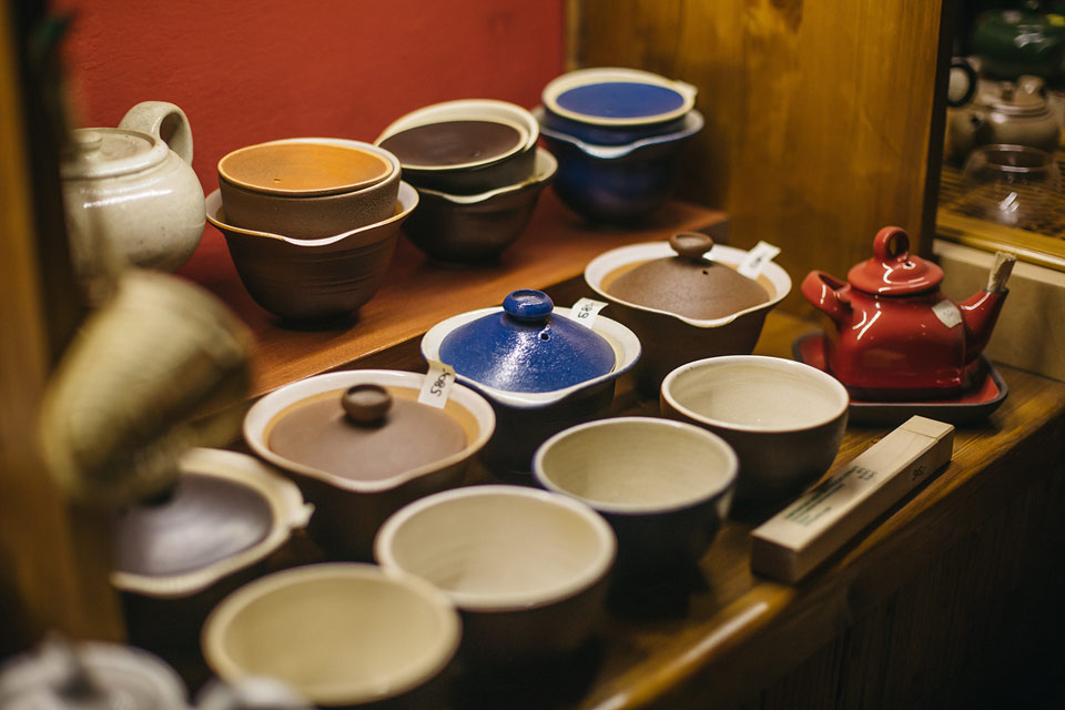 Fotografie čajových konviček a hrníčků