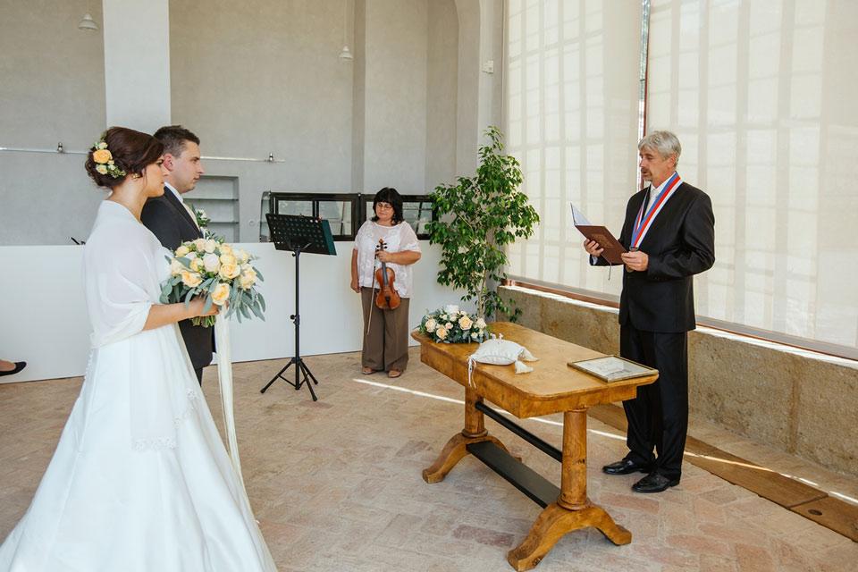 Pan oddávající a snoubenci