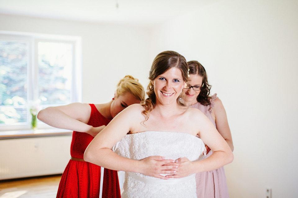 Šněrování svatebních šatů