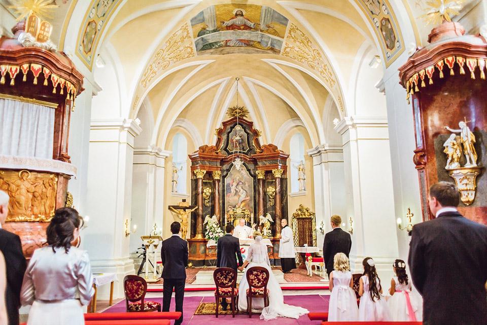 V kostele v mutěnicích