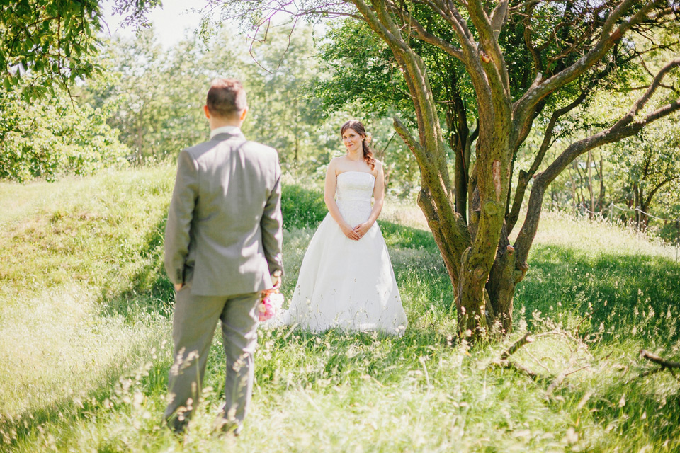 Ženich volá na nevěstu