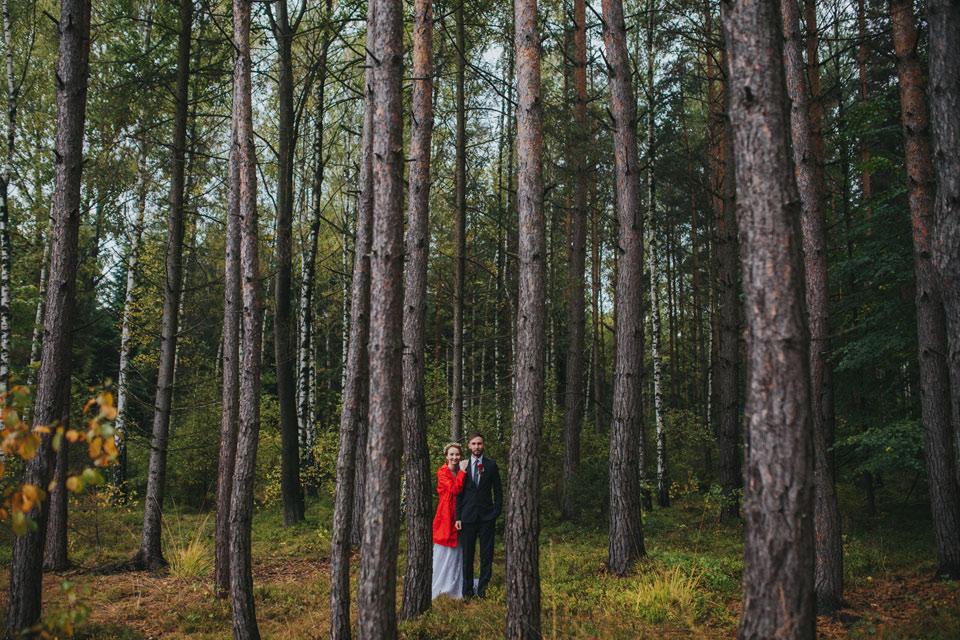 14-portret-nevesty-a-zenicha-v-lese-kde-prselo-a-prselo