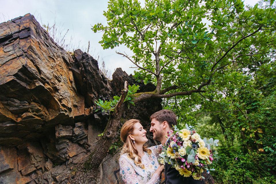 18-svatba-v-zabestni-lhote-v-hospudce-ve-stodole