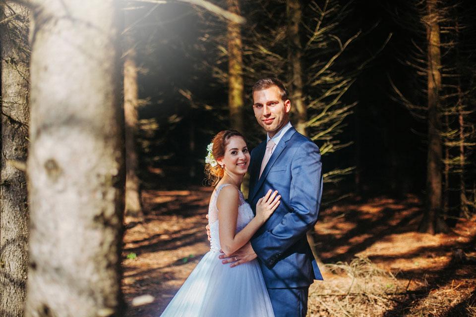 97-svatebni-fotografie-z-krasneho-lesa-na-kopecku